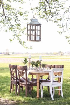 Outdoor Table Settin