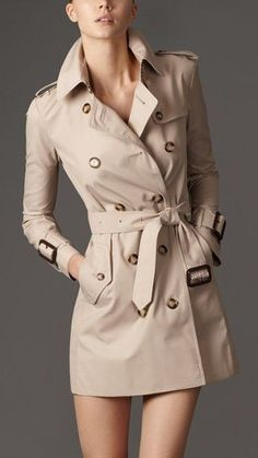 trench coat outfit – Steal The Real: Burberry Trench Coat Look Alike Brands Trench Beige, Short Trench Coat, Trench Coat Outfit, Classic Trench Coat, Burberry Trench Coat, Women's Trench Coats, Trent Coat, Burberry Shorts, Fall Clothes