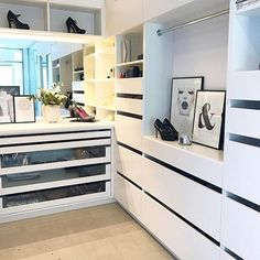 Longing for spring and loving this walk-in closet by @funkis_tine