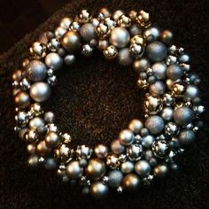 This is what my DIY ornament wreath would look like. So sparkly and pretty!