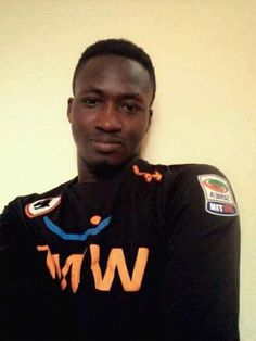 Liberty Professionals' juvenile goalkeeper, Issaka Mohammed, is reported dead after crashing head-on with a striker during a football match Sunday.