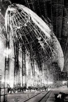 History In Pictures  seconds ago Building The Zeppelin Zeppelin, Old Pictures, Old Photos, Album Photo, Historical Pictures, Under Construction, World History, Vintage Photography, Black And White Photography