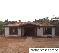 casas prefabricadas cali grandes Village House Design, Village Houses, Outdoor Office, Outdoor Living, Style At Home, Adobe Haus, Mexico House, Narrow House, Construction