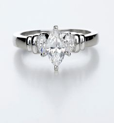 marquise-engagement-ring