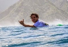 Galdino Saquarema Esporte: O Adeus ao surfista Ricardinho da Guarda do Embaú