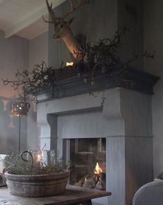 Awesome 56 Admiring Christmas Living Room Design Ideas With Mantel Display French Country Farmhouse, Vintage Country, French Country Decorating, Fireplace Design, Fireplace Mantels, Fireplaces, Fireplace Kitchen, Christmas Living Rooms, Christmas Home