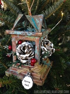 Stamptramp: 12 Days of Ornaments - Day 12! using Tim Holtz, Ranger, Sizzix and Stamper's Anonymous products; Dec 2014