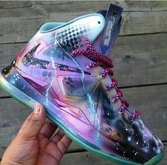Shiiiit take my money! Kicks Shoes, Lit Shoes, Shoes Sneakers, Crazy Shoes, Me Too Shoes, Jordan Shoes Girls, Hype Shoes, Fresh Shoes, Shoe Show