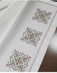 Cross Stitch Borders, Cross Stitch Rose, Cross Stitch Flowers, Cross Stitch Designs, Cross Stitching, Cross Stitch Embroidery, Cross Stitch Patterns, Hand Embroidery Design Patterns, Embroidery Stitches Tutorial