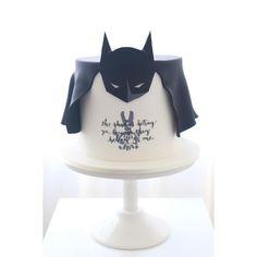 Homemade Batman Cake Ideas That Look Great - Novelty Birthday Cakes Superhero Birthday Cake, 4th Birthday Cakes, Novelty Birthday Cakes, Star Wars Birthday, Superhero Party, Batman Cake Topper, Batman Cupcakes, One Direction Cakes, Pastries
