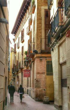 Calle Santa Cruz, casa del Prior Ortal, Zaragoza España. foto Celia Sánchez