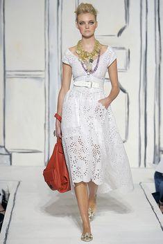 Oscar de la Renta Spring 2009 Ready-to-Wear Fashion Show - Caroline Trentini