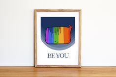 Illustrazione da scaricare subito con una balena arcobaleno e la scritta Be you. Per camerette e nursery di IlluminoHomeIdeas su Etsy
