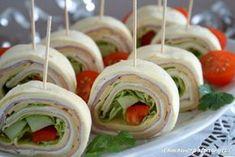 mini-tortille-przekaska-idealna-na-impreze6 Party Finger Foods, Snacks Für Party, Food Design, Mini Tortillas, Snack Recipes, Cooking Recipes, Catering, Food And Drink, Appetizers