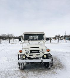 FJ40 In the Snow
