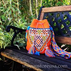 *** BLACK FRIDAY SAVING: FREE SHIPPING. ONLY VALID WITHIN US *** Wayuu Bag with Vintage Afghan Beaded Ornament by loveandlucky