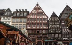 The Christmas time is slowly aproaching so it's the time to get ready for Christmas markets! Frankfurt Christmas market is one of the oldest in Germany.