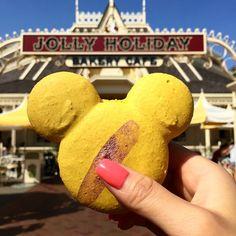 Mickey shaped treats are the jolliest | #disney #disneyland #dlr #dca #jollyholiday #macarons #mickeymouse #mickeyshapedfood #disneyside #treats #disneyparks #disneyresort #disneymagic #disneyland60 #instadaily #instagood #foodporn #foodsofdisneyland by disneywithtiff