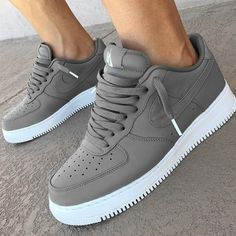 huge selection of 3ac94 d372e Nike Air Force 1 Grey Calzado Nike, Zapatillas Adidas, Zapatillas Nike,  Zapatillas Deportivas