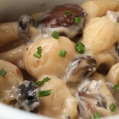 Truffle Mac 'n' Cheese Recipe by Tasty Penne Recipes, Creamy Pasta Recipes, Cheese Recipes, Low Carb Vegetarian Recipes, Cooking Recipes, Stuffed Pasta Shells, How To Cook Pasta, Pasta Dishes, Italian Recipes