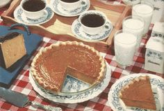 Vintage Recipes: Home Canned Jams and Jellies Retro Recipes, Old Recipes, Vintage Recipes, 1950s Recipes, Cooking Recipes, Vintage Baking, Vintage Menu, Vintage Food, Vintage Dishes