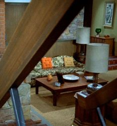 """""""The Brady Bunch"""" living room Vintage House Plans, Family Room, Home, Vintage House, House Flooring, Mini House, House Plans, Show Home, Home Tv"""