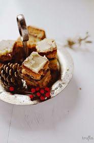 Powoli zbliża się świąteczny czas. Nie mogę się go doczekać bardziej niż zwykle, gdyż w te święta będę gotować, piec, lepić, ramię w rami...