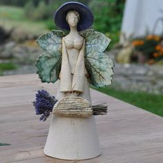 Ceramic Figures, Clay Figures, Ceramic Art, Slab Pottery, Pottery Art, Clay Projects, Clay Crafts, Pottery Angels, Clay Angel