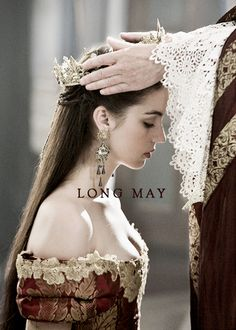 Mary, Queen of Scots on Reign Reign Mary, Mary Queen Of Scots, Queen Mary, King Queen, Crown Aesthetic, Queen Aesthetic, Princess Aesthetic, Adelaide Kane, Queen Wallpaper Crown