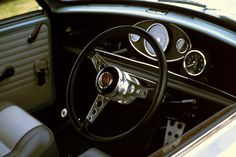 A truly dashing dash. Mini Cooper Custom, Mini Cooper S, Classic Mini, Classic Cars, Mini Morris, Cooper Car, Mini Countryman, Off Road, Car Car