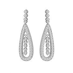 #Fashion_jewelry accentuates the elegance and beauty of the fashionable  women. Hence, it lies closest to the hearts of women. These days, you can avail a massive portfolio of the most fashionable jewelries online that will greatly support your fashion pursuits. This article shall discuss the major advantages in #buying_jewelries_online.
