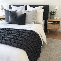 Bedroom ideas Simple clean bedroom decor, white comforter, black and charcoal gray pillows and blank Monochrome Bedroom, Bedroom Black, Black Bedding, White Comforter Bedroom, Bedroom Bed, Black White And Grey Bedroom, Charcoal Bedroom, Bedroom With Gray Walls, White And Gray Bedding
