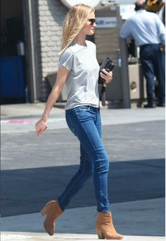 Rosie Huntington-Whiteley looking effortlessly chic in the Rag & Bone Newbury boot