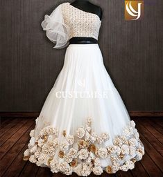 Indian Dress Patterns Design New Ideas Lehenga Choli Designs, Wedding Lehenga Designs, Indian Fashion Dresses, Indian Gowns Dresses, Indian Designer Outfits, Indian Wedding Gowns, Indian Bridal Outfits, Wedding Dresses For Kids, Designer Party Wear Dresses