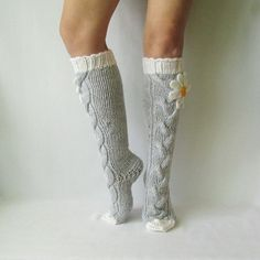 Grey socks with Сamomile. Knit socks. Handmade Knee by mymomsshop1
