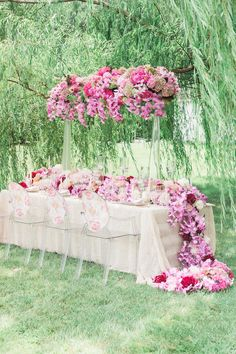 Pink Peony Wedding Inspiration from the Intrigued Experience - Perfete Long Table Wedding, Pink Garden, Pink Themes, Wedding Table Decorations, Pink Peonies, Bella, Wedding Details, Paper Flowers, Wedding Inspiration