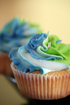 Cupcake swirl - no recipe but very colorful design. Easy to decorate by combining 3 bags of frosting into one larger bag, allowing 3 different colors to come through the tip!