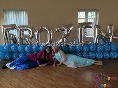 #Anna & #Elsa with #Frozen #balloon wall