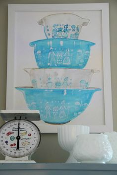 FREE Vintage Pyrex Printable in turquoise butterprint pattern. Print it, frame it, hang it in the kitchen or give to favorite chef, baker, or vintage lover.