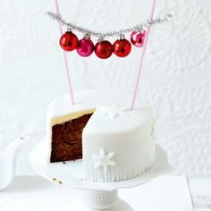 Mini ornament cake topper. This would be awesome on a red velvet cake!