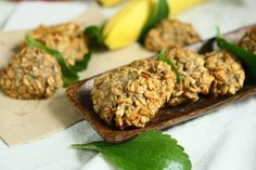 Banana Rolled Spelt Cookies with Fresh Stevia Leaves