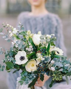 Winter bouquets can be just as beautiful @weddinghelperuk