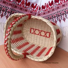 Плетёнки. Изделия из бумажной лозы. Newspaper Crafts, Straw Bag, Basket, Wall, Home Decor, Santa, Hampers, Rattan, Homemade Home Decor