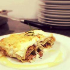 Sempre ela começando ou encerrando os ciclos: Lasagna alla bolognese pela turma de hoje de Massas Frescas da @agastronomica by lacannagabi