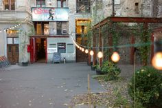 Swing Dancing in Berlin http://www.miniloft.com/nightlife/swing-dancing-in-berlin.html#.VT-k2hcRIk8