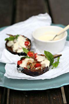 Melanzane ripiene al forno con fonduta di Parmigiano Reggiano