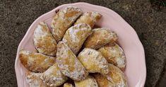 Mrkvance či mrkváče, mrkvové šátečky... jsou tradičním pečivem na Slovácku. Slovácko, dříve také nazývané Moravské Slovácko nebo Mor... Other Recipes, Pretzel Bites, French Toast, Sweets, Bread, Baking, Breakfast, Food, Morning Coffee