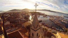 Die kleine Gemeinde Sanary-sur-Mer an der Mittelmeerküste im Südosten...