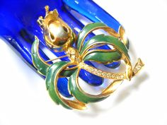 www.etsy.com/shop/FindCharlotte Excited to share the latest addition to my #etsy shop: Brooch Large Art Deco Retro Flower Large Brooch Enamel Gold Tone Metal Rhinestone Statement Brooch Rose Jewelry Mis Century http://etsy.me/2C1wykY #jewelry #brooch #gold #wedding #ch