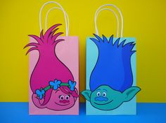 ****This Listing is for a Printable file to make your own Trolls Favor Bags****  Please look @ 2nd picture of this listing to see what youll get with your Digital purchase. Unlimited Printing--> So you can print and make as many favor bags as you need!!  Make your party pop-out with these adorable Princess Poppy & Branch Trolls Favor Bags designs! The images are in high-quality resolution. Assembling of bags is very simply: Just Print, Cut & Glue the cut-outs to your favorite color...